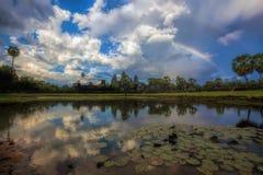 angkor πέρα από το ηλιοβασίλεμα Στοκ Εικόνες