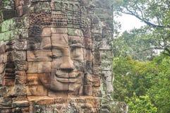 Angkor Bayon vänder mot Siem Reap, Cambodja Arkivbild