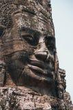 ANGKOR, CAMBOGIA - 15-ОЕ МАРТА 2018: Bayon известный и богато украшенный висок кхмера на Angkor в Камбодже стоковое изображение