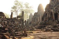 Angkor, Camboya Salida del sol del templo de Bayon del Khmer Fotografía de archivo libre de regalías