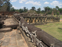 Angkor - königliche Terrasse lizenzfreie stockfotos