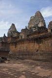 Angkor tempel Bakong Arkivfoton