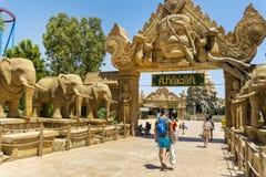 Angkor teren w Portowym Aventura parku rozrywki w Hiszpania zdjęcie stock