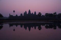 Angkor Vat au lever de soleil Images stock
