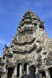 Angkor watï ¼ Œthe iglica niebo Zdjęcia Stock