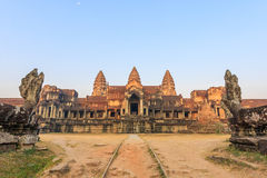 Angkor Wat świątynia w ranku Światowy Wielki Religijny zabytek, Prasat Angkor Nokor Wat Świątynny kompleks, Siem Przeprowadza żni Fotografia Royalty Free