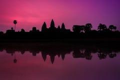 Angkor Wat & ανατολή στοκ εικόνα