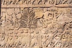 Angkor Wat Εξωτερική στοά Bayon που παρουσιάζει μια σειρά bas-ανακούφισης που απεικονίζει τα ιστορικές γεγονότα και τις καθημεριν Στοκ φωτογραφία με δικαίωμα ελεύθερης χρήσης