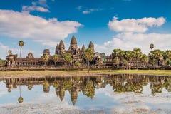 Angkor Wat κάτω από το μπλε ουρανό στην Καμπότζη Στοκ Εικόνα
