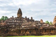 Angkor Wat, Καμπότζη - 6 Δεκεμβρίου 2016: Στοές και τουρίστες Στοκ Εικόνες