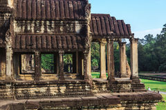 Angkor Wat, Καμπότζη - 7 Δεκεμβρίου 2016: Στοές και τουρίστες Στοκ Φωτογραφίες