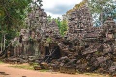 Angkor Wat, Καμπότζη - 6 Δεκεμβρίου 2016: Στοές και τουρίστες Στοκ Φωτογραφία