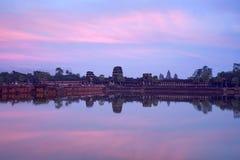 Angkor Wat με την αντανάκλαση, Καμπότζη Στοκ εικόνες με δικαίωμα ελεύθερης χρήσης