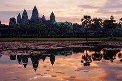 Angkor Wat στην ανατολή. Καμπότζη Στοκ εικόνες με δικαίωμα ελεύθερης χρήσης