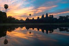 Angkor Wat στην ανατολή Στοκ εικόνες με δικαίωμα ελεύθερης χρήσης