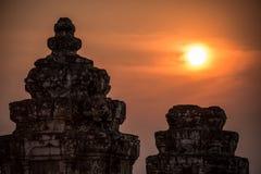 Angkor Wat στο ηλιοβασίλεμα. Καμπότζη. Ναοί, αρχαίος πολιτισμός. Ασία. Παράδοση, πολιτισμός και θρησκεία. Στοκ Φωτογραφίες