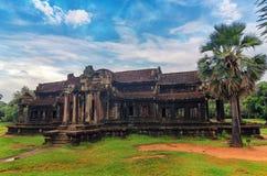 Angkor Wat - гигантский комплекс индусского виска в Камбодже Стоковое Изображение RF