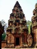 Angkor Wat - belle sculture, bassorilievi del tempio di Banteay Srei Fotografia Stock Libera da Diritti