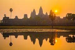 Angkor Wat bij zonsopgang Stock Foto