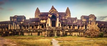 Angkor Wat bij zonsopgang Siem oogst Angkor kambodja Panorama royalty-vrije stock foto