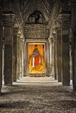 Angkor Wat Cambodja, Buddhastaty fotografering för bildbyråer