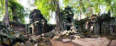 Angkor Wat Cambogia Tempio buddista antico khmer di promenade di tum Fotografia Stock