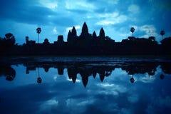 Angkor Wat an der Dämmerung Lizenzfreie Stockfotografie