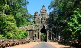 Angkor Wat in het licht van de ochtendzon Royalty-vrije Stock Foto's
