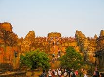 Angkor Wat Kambodża, Luty, - 17, 2011: Piękny pomarańczowy wschód słońca Zdjęcia Stock