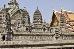 Angkor Wat miniatyr på den Bangkok tusen dollarslotten Arkivfoto