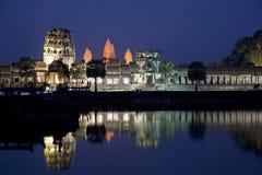 Angkor Wat na noite imagens de stock