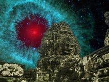 Angkor wat przy nocą z zadziwiającymi kometami Kopie up pył w Helix fotografia stock