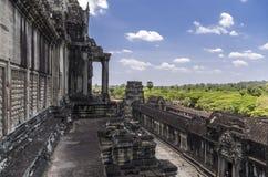 Angkor Wat sikt från den 3rd nivån Arkivbild