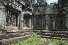 Angkor Wat Stone Carvings et petit groupe Photos stock