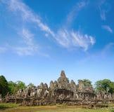 Angkor Wat - Angkor Thom και μπλε ουρανός είναι παγκόσμια κληρονομιά σε Siem Στοκ φωτογραφία με δικαίωμα ελεύθερης χρήσης