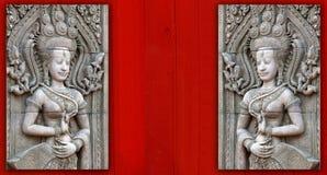 angkorapsaraen skulpterar wat Royaltyfri Foto