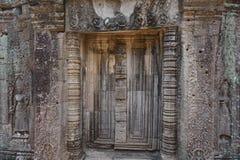 Angkors Geheimnis hinter der Tür lizenzfreie stockbilder
