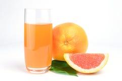 angle white för sikten för fruktsaft för den glass grapefrukten för bakgrund hög isolerad bakgrund isolerad white Arkivfoton