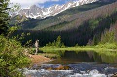 Angler in Boulder See Lizenzfreies Stockfoto