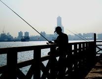 Angler in der Hafenstadt von Kaohsiung Stockbild