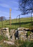 Anglia, Cotswold kamienia przełaz zdjęcie stock