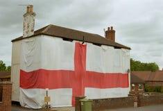 Anglia flaga mężczyzna Zakrywa Całkowitego dom z flaga - puchar świata 2018 - Obrazy Stock