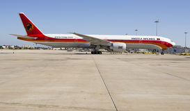 Angola Airlines, Boeing 777 - 300 ER Royalty Free Stock Photos