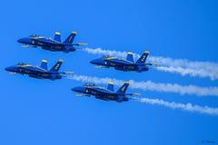 Angoli blu nella formazione stretta fotografia stock