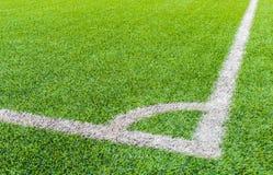 Angolo del campo di football americano con erba artificiale immagine stock libera da diritti