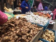 Angolo del mercato di verdure Immagine Stock