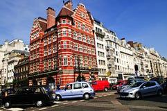 Angolo della strada affollata a Londra Immagine Stock Libera da Diritti