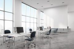 Angolo di ufficio concreto dello spazio aperto del pavimento Fotografia Stock Libera da Diritti