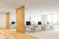 Angolo di ufficio open space bianco e di legno Fotografia Stock