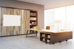 Angolo di un CEO ufficio con le porte di legno e uno scaffale, tonificato Fotografia Stock